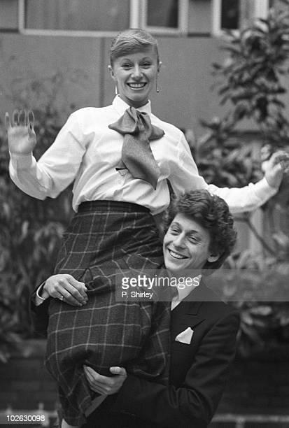 British ice dance champions Karen Barber and Nicky Slater pose on November 16 1984