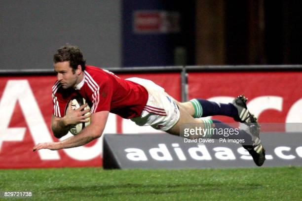 British Irish Lions' Geordan Murphy score a try against Taranaki