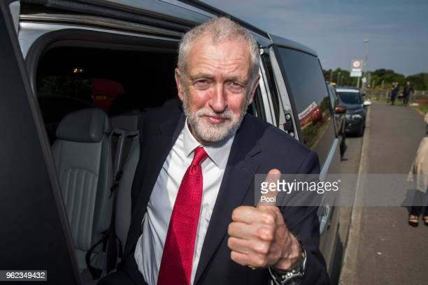 British Labour leader Jeremy Corbyn gives the thumbs up after a visit to Lifford Bridge on the Irish border during the second day of a twoday trip to...
