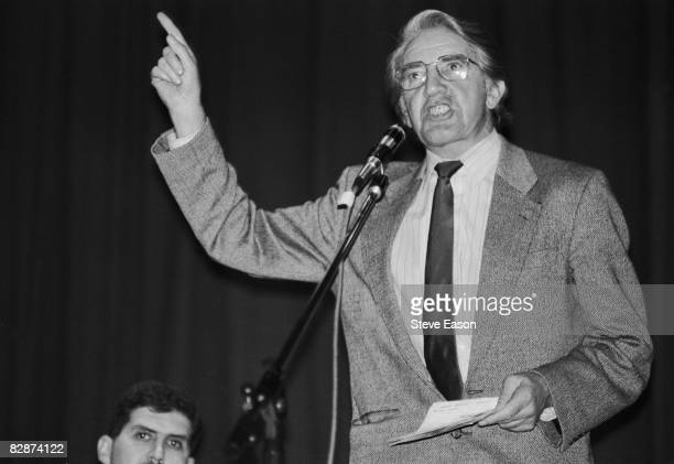 British Labour politician Dennis Skinner addresses a miners' meeting 23rd November 1992