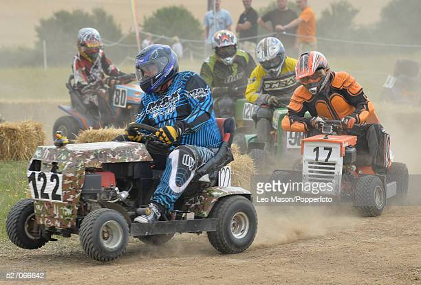 Lawn Mower Racing >> World S Best Lawn Mower Racing Stock Pictures Photos And