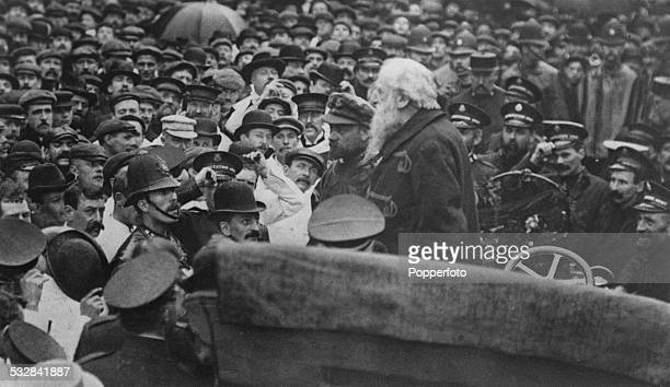 British Methodist preacher William Booth founder of The Salvation Army speaking to a crowd from the back of a car during his 'motor campaign' around...