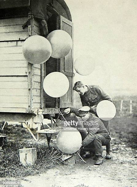 British military weather balloons with ground crew during World war one