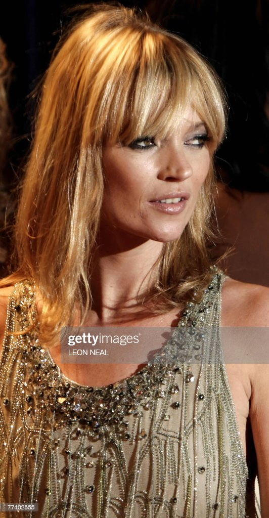 British model Kate Moss arrives at the Fashion Rocks for the Princes Trust event at the Royal Albert Hall in London, 18 October 2007. Some of the world?s top fashion designers have paired up with rock and pop stars to showcase their collections at the annual event.
