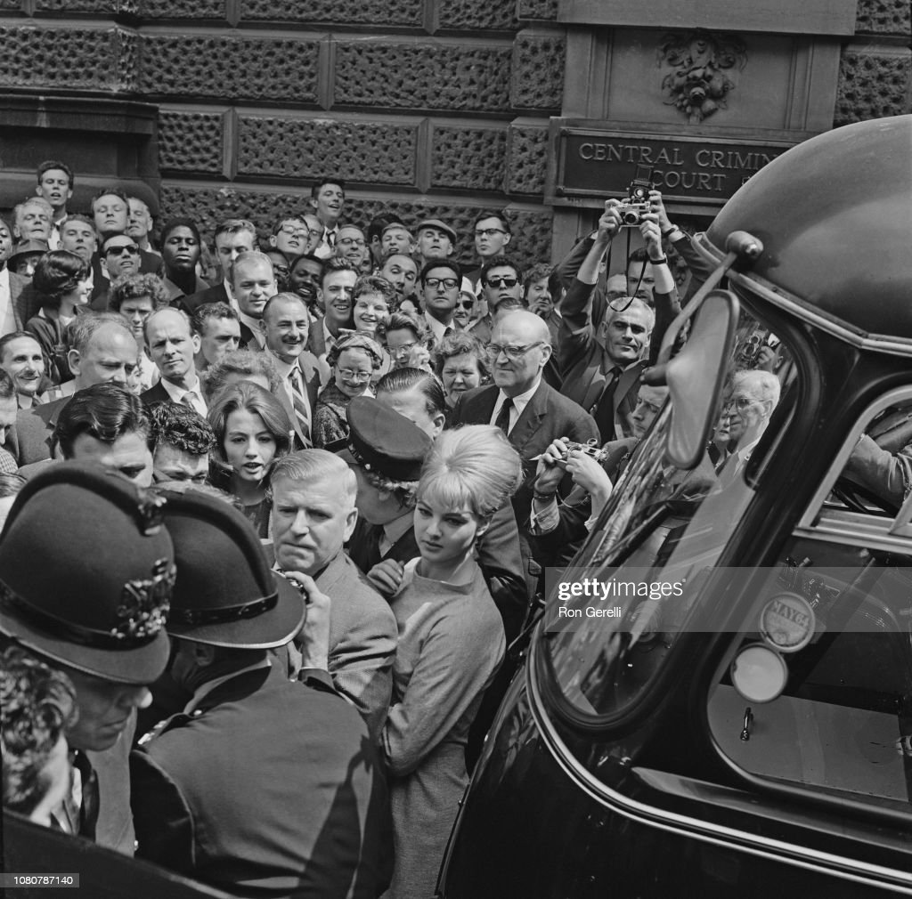 Mandy Rice-Davies And Christine Keeler At The Old Bailey : News Photo