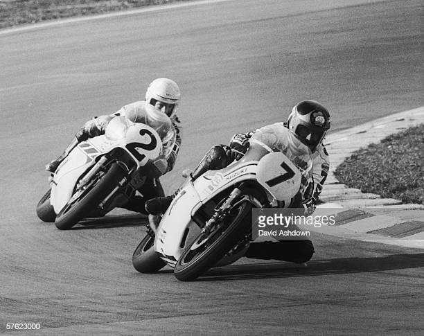 British motorbike champion Barry Sheene on his Suzuki nips ahead of America's Kenny Roberts on a Yamaha during the John Player Transatlantic Trophy...