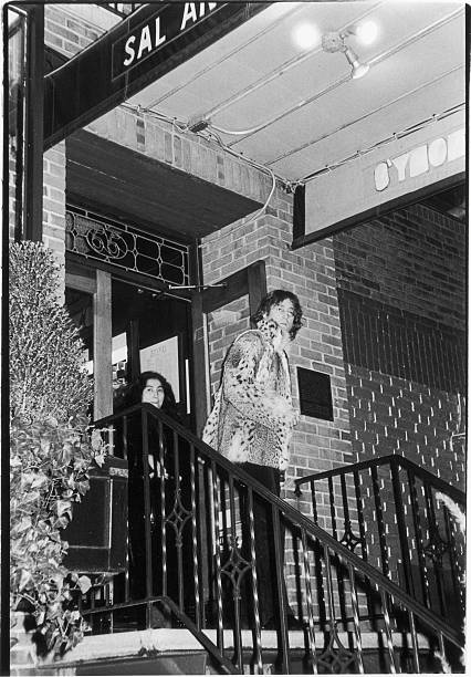 John & Yoko Leave Restaurant
