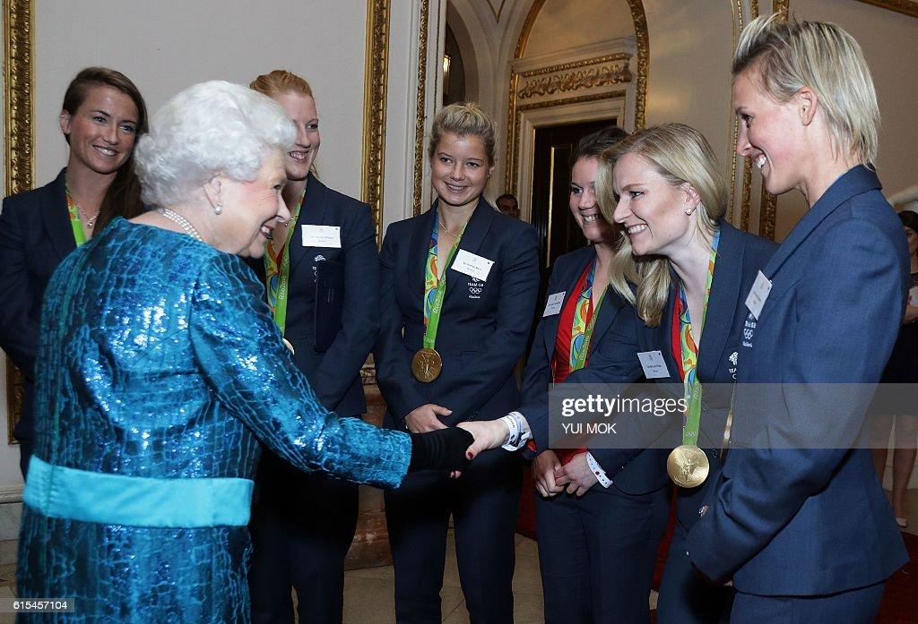 TOPSHOT-BRITAIN-ROYAL-OLY-2016-GBR-PARADE : News Photo