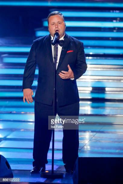 British opera singer Paul Potts performs during the tv show 'Willkommen bei Carmen Nebel' at TUI Arena on September 30 2017 in Hanover Germany