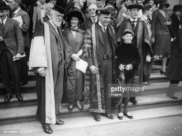 British politician Nancy Astor with Sir Oliver Lodge and the Chancellor of the University Viscount Cecil and Sir Austen Chamberlain in a ceremony at...