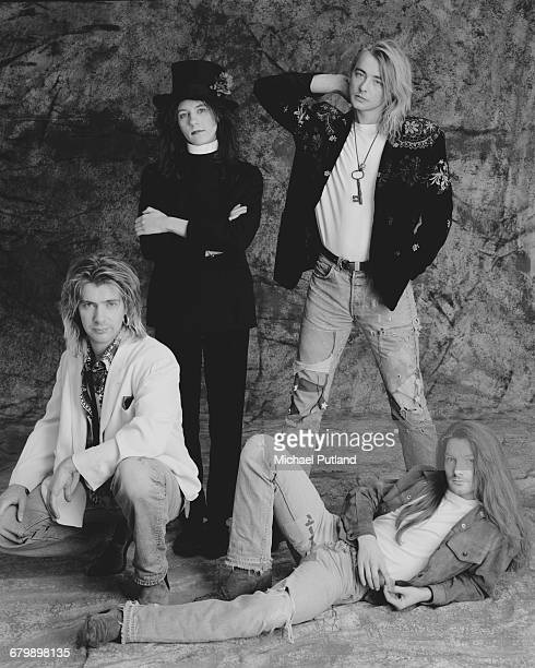 British pop and rock band It Bites 1989 Clockwise from bottom left bassist Dick Nolan keyboard player John Beck guitarist and singer Francis Dunnery...