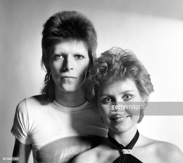 British pop singer David Bowie poses with Lulu in the Daily Mirror studio 27th December 1973