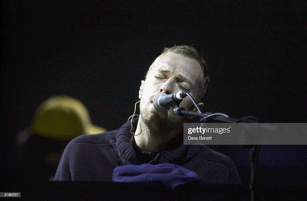 The Brit Awards 2003 : News Photo
