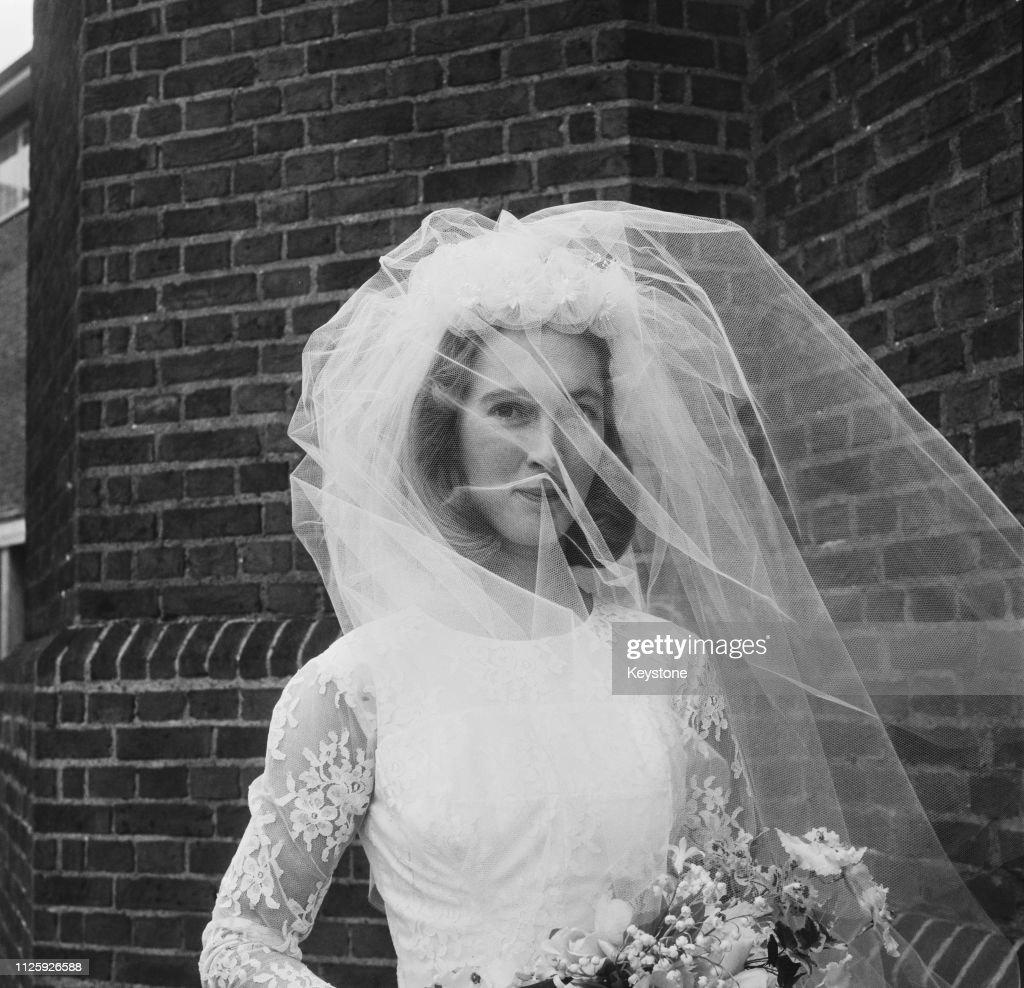 Goodall Marries Van Lawick : News Photo
