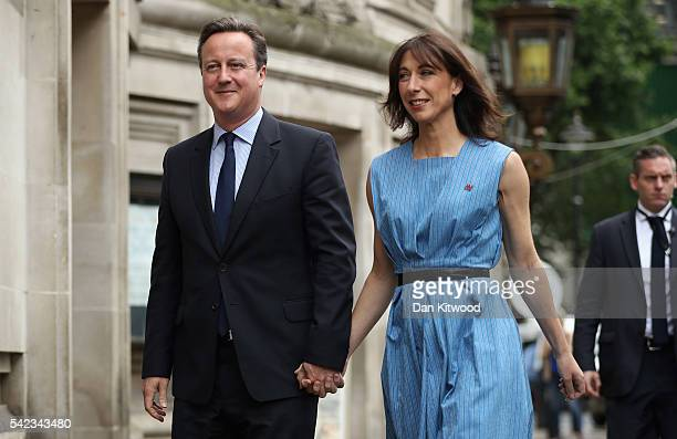 British Prime Minister David Cameron and his wife Samantha Cameron arrive to vote in the EU Referendum at Central Methodist Hall Wesminster on June...