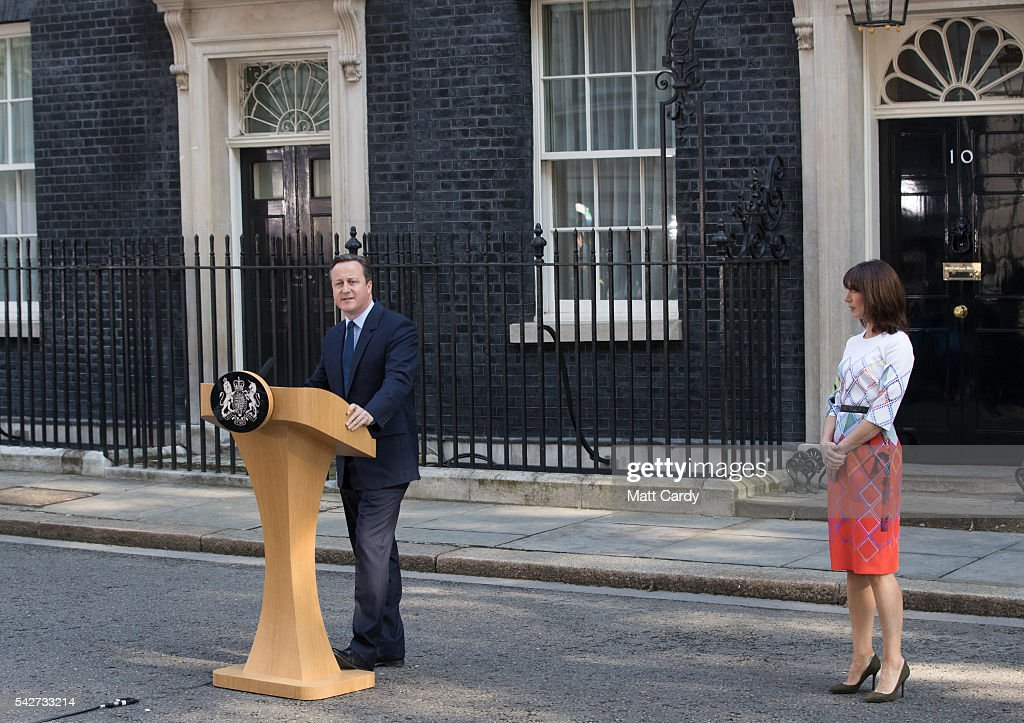 British Prime Minister David Cameron resigns on the steps of 10 Downing Street as his wife Samantha Cameron listens on June 24, 2016 in London, England. The results from the historic EU referendum has now been declared and the United Kingdom has voted to LEAVE the European Union. (Photo by Matt Cardy/Getty Images