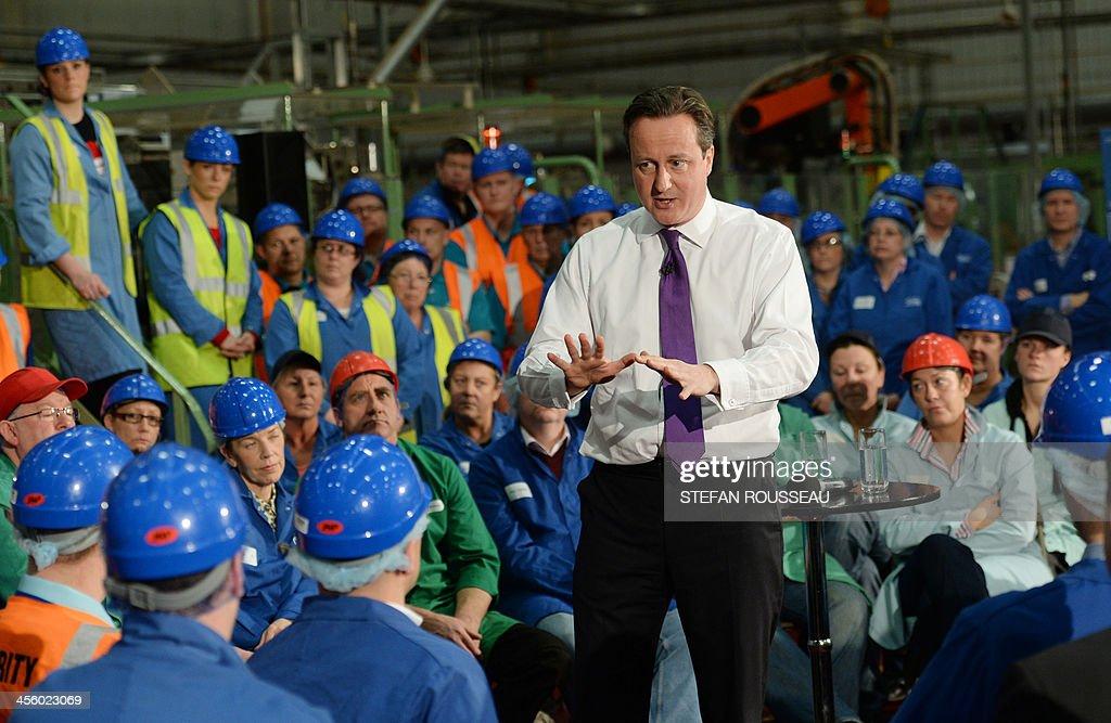 BRITAIN-POLITICS-GOVERNMENT : News Photo