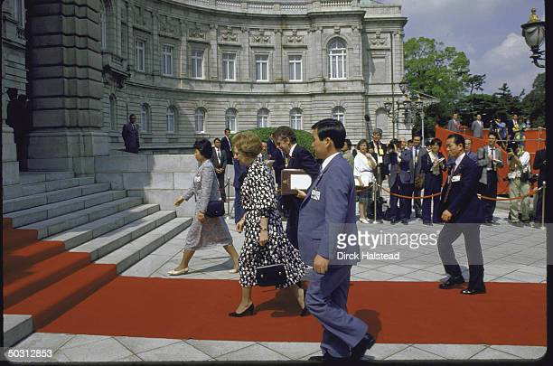 British Prime Minister Margaret H Thatcher arriving at Akasaka Palace with red carpet treatment for Economic Summit