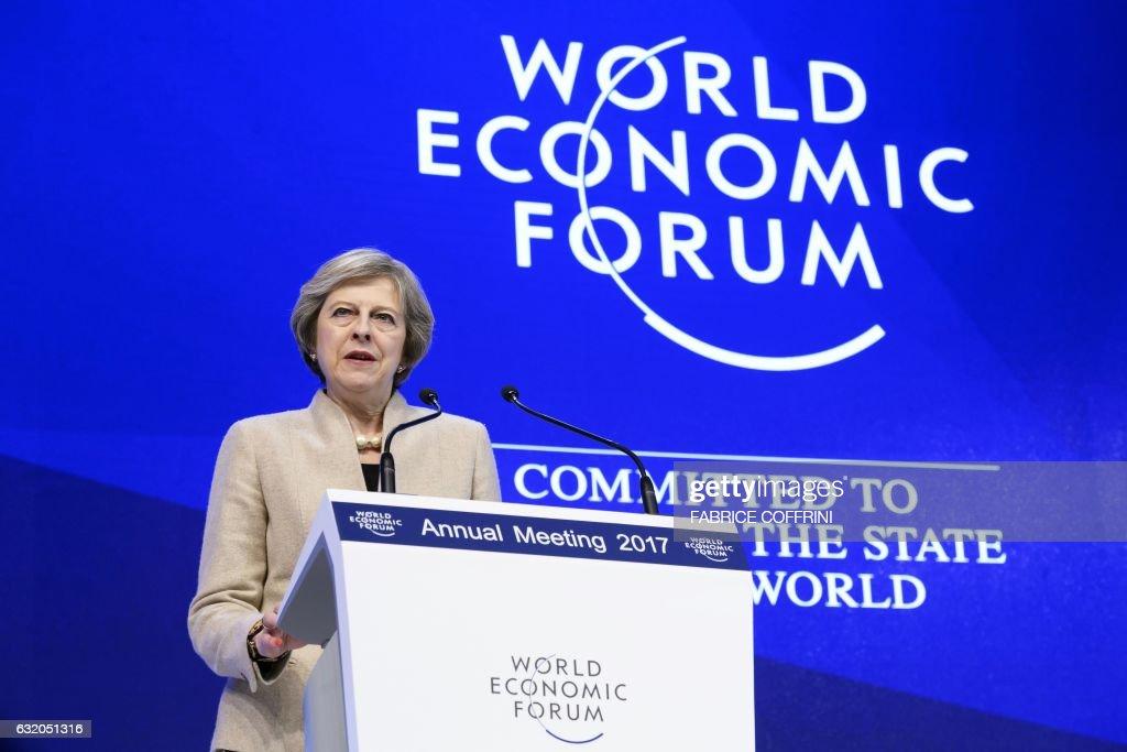 SWITZERLAND-BRITAIN-ECONOMY-POLITICS-DIPLOMACY-SUMMIT : News Photo