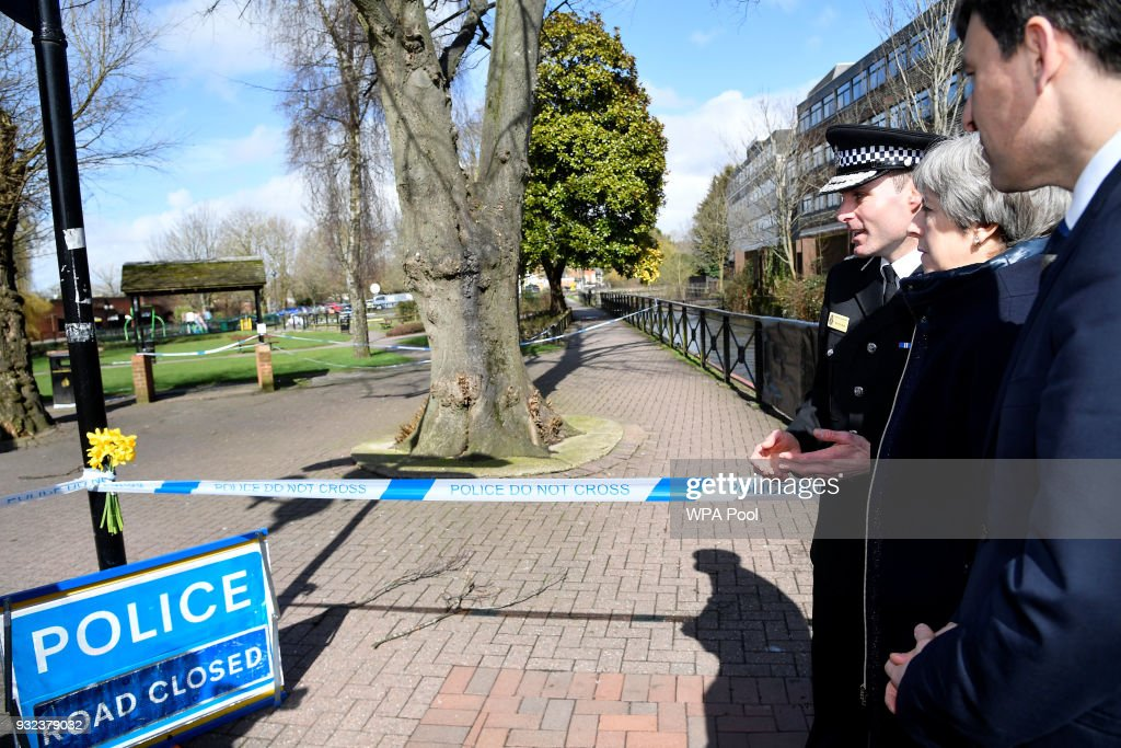 Theresa May Visits The Scene Of The Salisbury Spy Poisoning : Nyhetsfoto