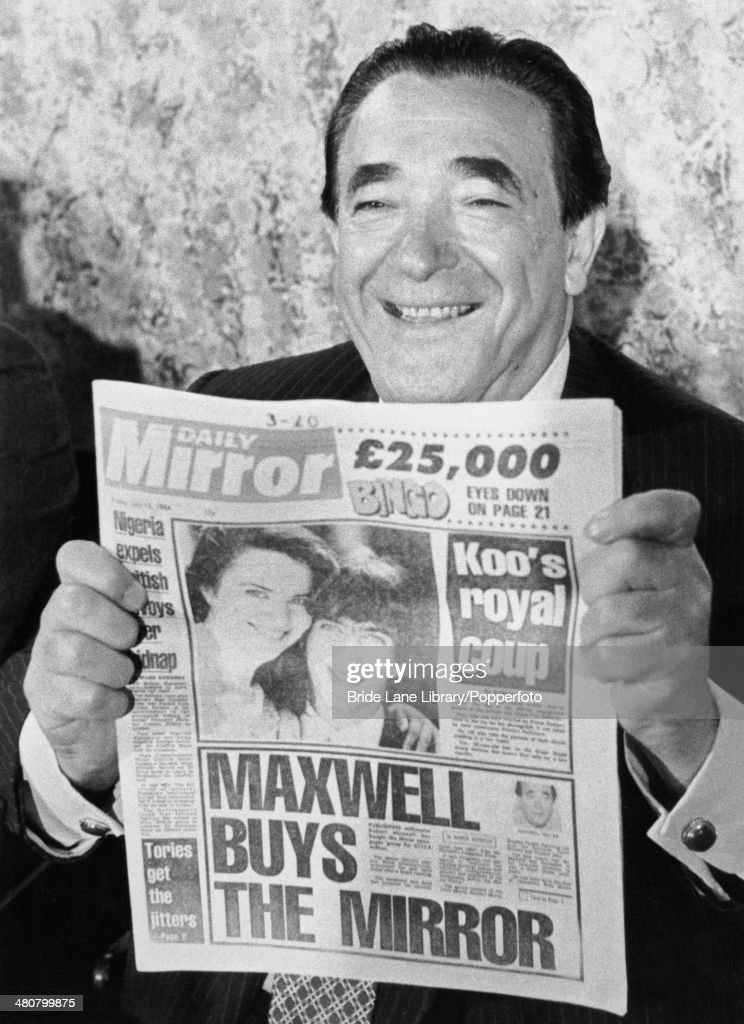 Maxwell Buys The Mirror : News Photo