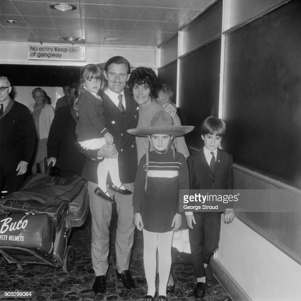 British racing driver and Formula 1 Champion Graham Hill with wife Bette and children Samantha, Brigitte and Damon, at Heathrow Airport, London, UK,...