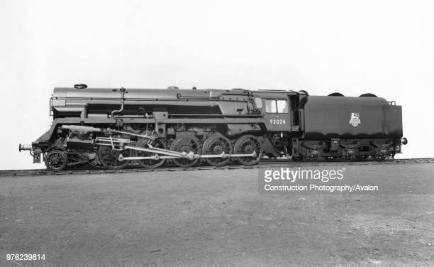 British Railways standard Class 9F, 2-10-0 locomotive for hauling heavy mineral trains. No.92024 is fitted with a Franco-Crosti boiler. 1955.