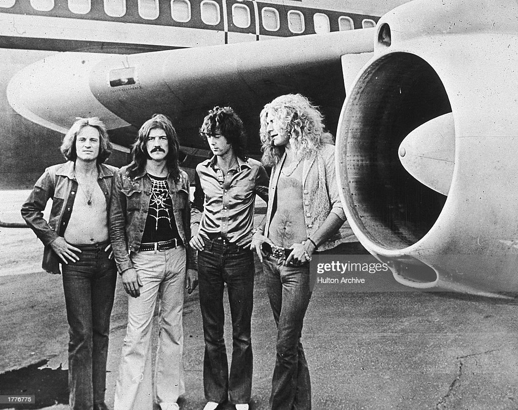 Led Zeppelin with jet : News Photo