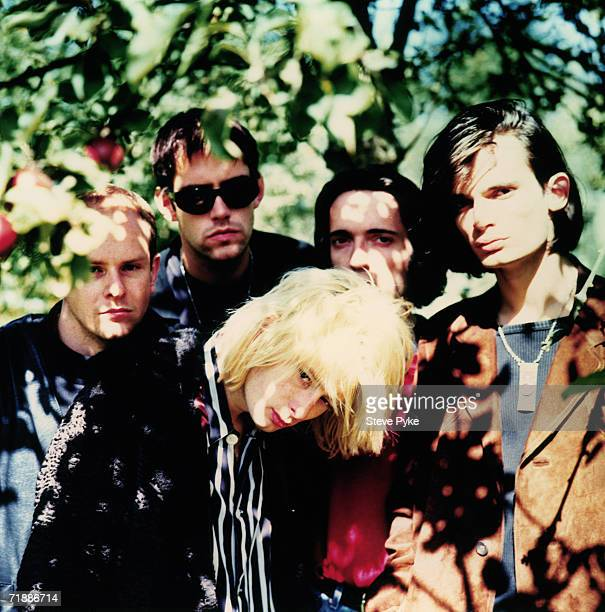 British rock group Radiohead circa 1992 Singer Thom Yorke stands in front of drummer Phil Selway guitarist Ed O'Brien bassist Colin Greenwood and...