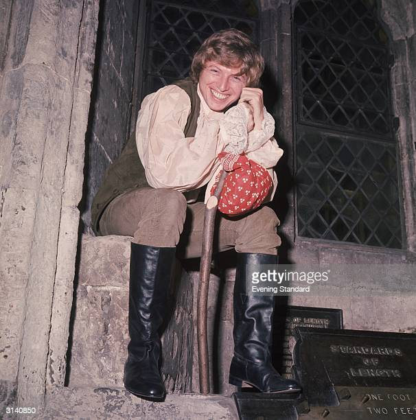 British rock 'n' roll singer and actor Tommy Steele in costume for the pantomime 'Dick Whittington' at the Guildhall London