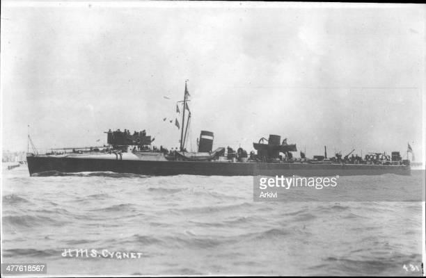 British Royal Navy Battleship Destroyer HMS Cygnet at sea, ca. 1898.