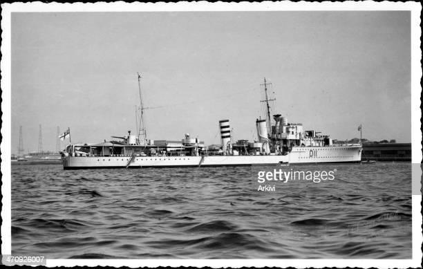 British Royal Navy Battleship Destroyer HMS Impulsive, D 11 at sea, ca. 1938.