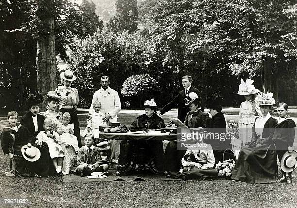 British Royalty, Cowes, Isle of Wight, Royal family group taken at Osborne House, pic: circa 1897, From l-r; Prince Leopold of Battenberg, Princess...