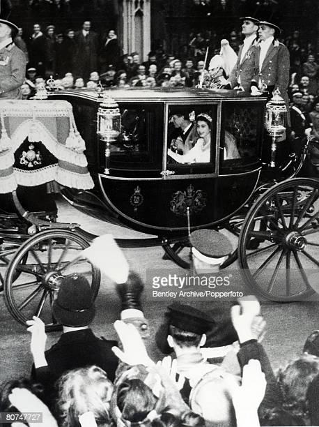 British Royalty London England 20th November 1947 Princess Elizabeth and Prince Philip The Duke of Edinburgh in the Bridal coash passing through...