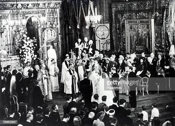 British Royalty London England 20th November 1947 The wedding ceremony of Princess Elizabeth and Prince Philip The Duke of Edinburgh at Westminster...