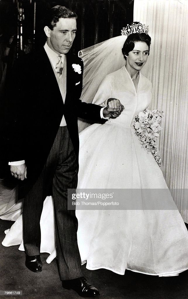 British Royalty, London, England, 6th May 1960, H,R,H,Princess Margaret leaves Westminster Abbey, accompanied by her husband Anthony Armstrong-Jones after their wedding : News Photo