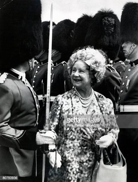 27th June 1974 HM Queen Elizabeth the Queen Mother smiling as she inspects a guard of honour made up of the 2nd Battalion Royal Regiment She was in...