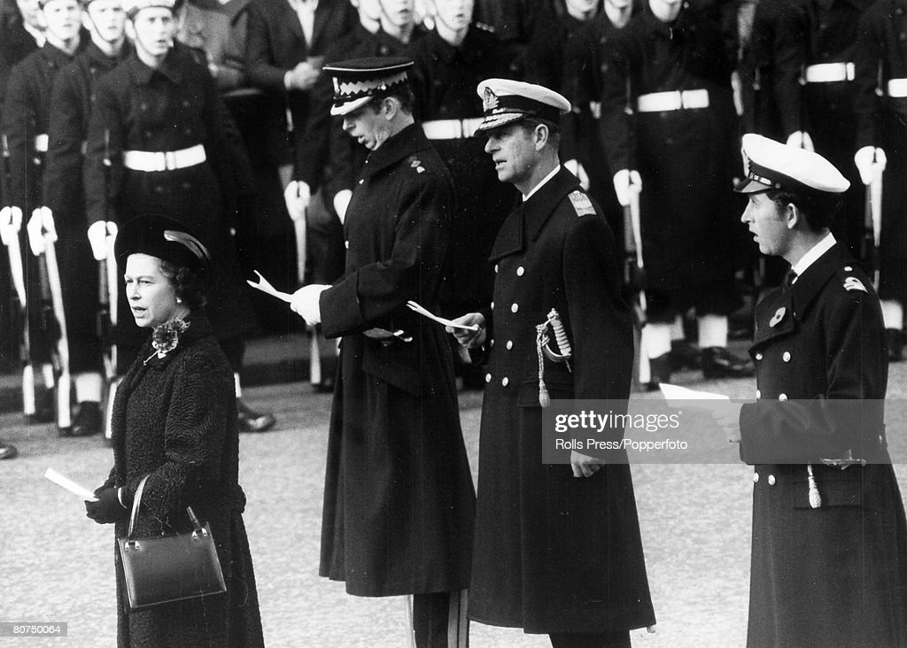 British Royalty pic: 10th November 1974. London. HM. Queen Elizabeth with the Duke of Edinburgh and Prince Charles, far right, and the Duke of Kent, 2nd left, pictured at the Cenotaph during the Remembrance Day ceremony. : News Photo