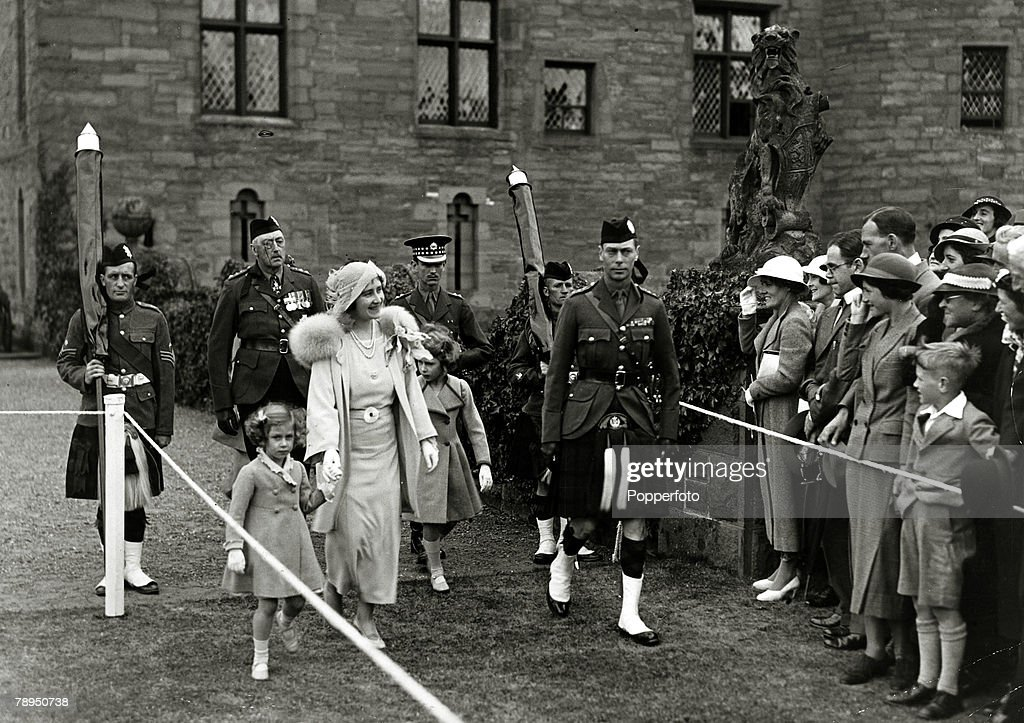 British Royalty. pic: 11th July 1935. HRH.The Duke and Duchess of York with their children Princess Margaret, left and Princess Elizabeth at Glamis Castle, Scotland. The Duke of York, (1895-1952) became King George VI and reigned 1936-1952, with his wife  : News Photo