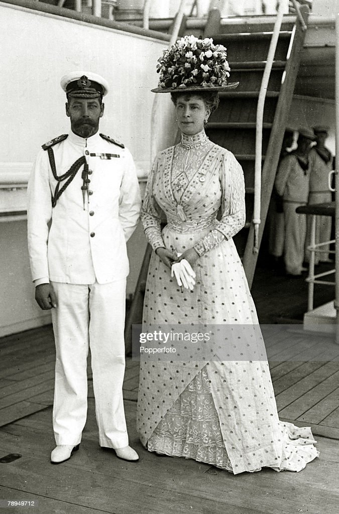 """British Royalty. pic: 1911. HM.King George V and his Consort Queen Mary pictured aboard the """"Medina"""" . King George V, (1865-1936) reigned from 1910-1936. : News Photo"""