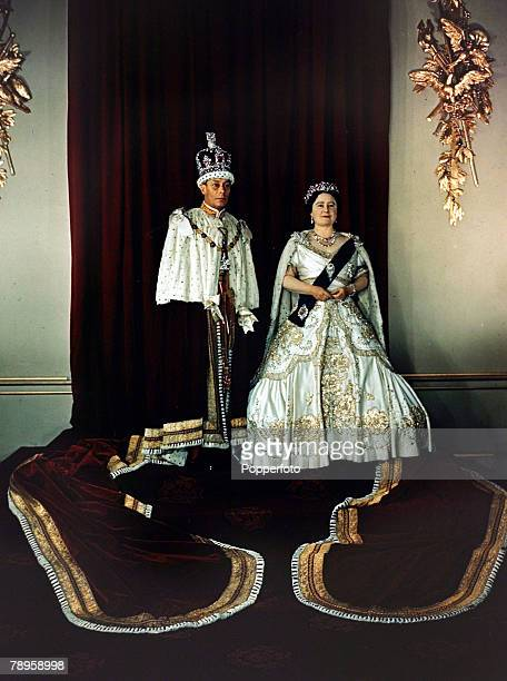 1948 King George VI and Queen Elizabeth in ceremonial robes
