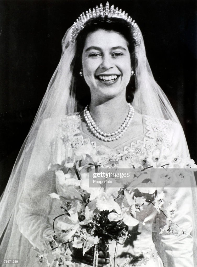 British Royalty. pic: 20th November 1947. Buckingham Palace, London. The wedding of Princess Elizabeth and the Duke of Edinburgh showing the Princess looking radiant after the wedding at Westminster Abbey. : News Photo