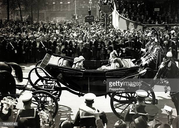 6th May 1935, The Duke and Duchess of York with their children the Princesses Elizabeth and Margaret pass through Trafalgar Square en-route to a...