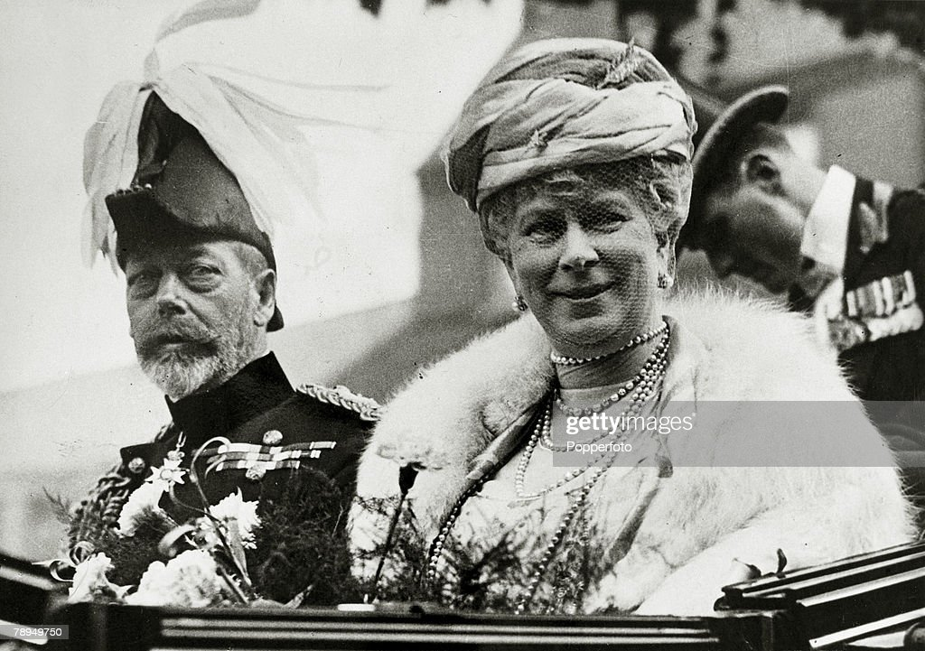 British Royalty. pic: circa 1924. HM. King George V with the his Consort, Queen Mary pictured on a visit to Liverpool. King George V, (1865-1936) reigned from 1910-1936. : News Photo