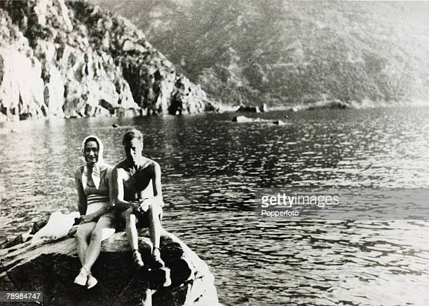 1936 King Edward VII and Mrs Wallis Simpson during their holiday on the Dalmatian Coast