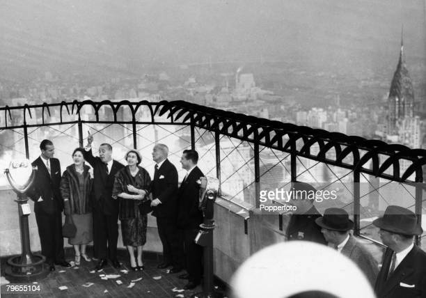 British Royalty Royal Tour of the United States pic October 1957 New York USA HM Queen Elizabeth with the Duke of Edinburgh is shown the view of the...
