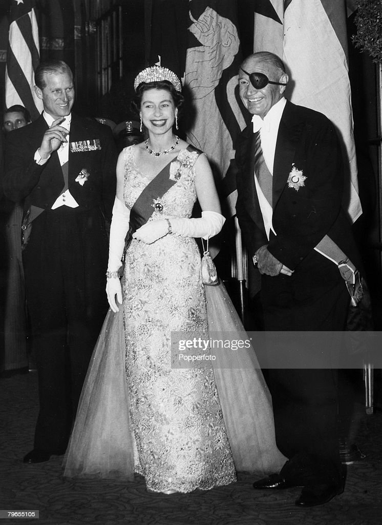 British Royalty, Royal Tour of the United States, pic: October 1957, New York, USA, HM, Queen Elizabeth pictured with the Duke of Edinburgh and Lewis Douglas Chairman of the Pilgrims Society at a dinner in her honour given by the Society : News Photo