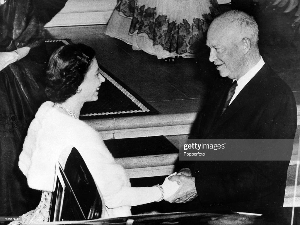 British Royalty, Royal Tour of the United States, pic: October 1957, Washington, USA, HM, Queen Elizabeth is bid a warm farewell by US, President Dwight Eisenhower as she leaves the White House : News Photo