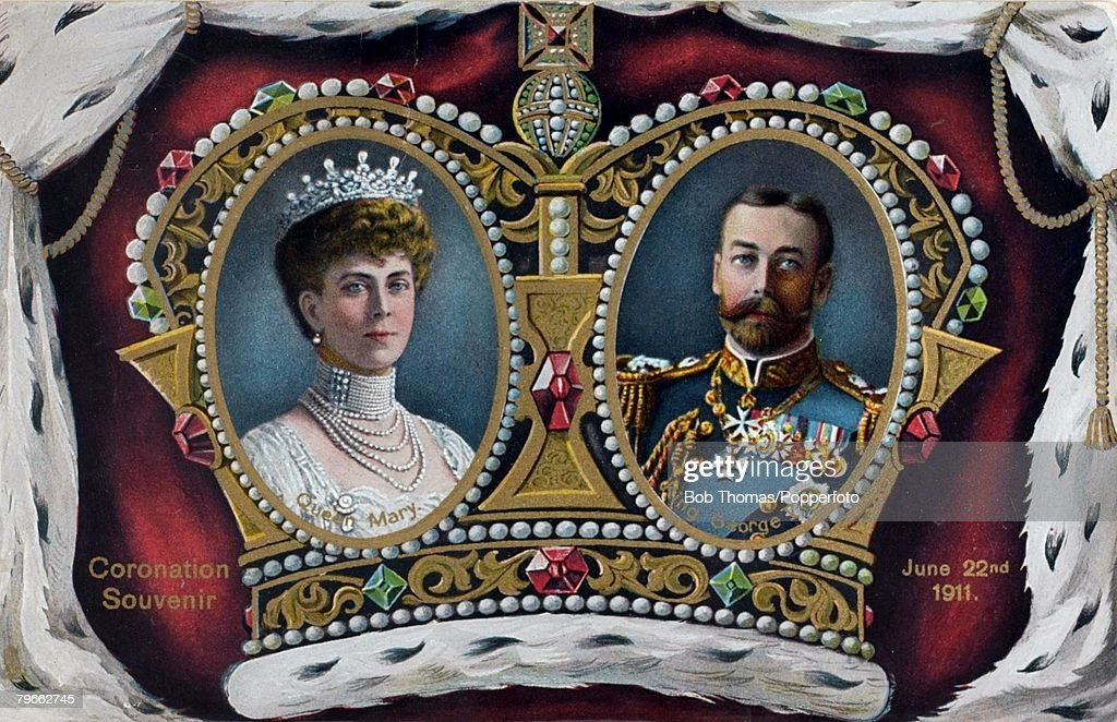 British Royalty, Souvenir Postcard, A Coronation souvenir to King George V of Great Britain, (crowned June 22nd 1911) and Queen Mary : News Photo