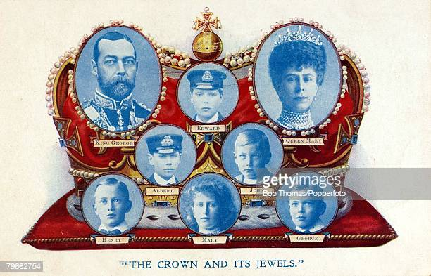 British Royalty Souvenir Postcard A Coronation souvenir to King George V of Great Britain crowned 22nd June 1911 with Queen Mary and their 6 children